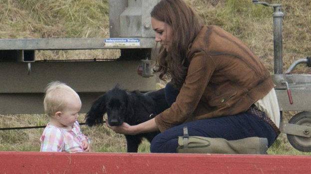 The Duchess of Cambridge goes loppy for baby: introduces Savannah to Lupo