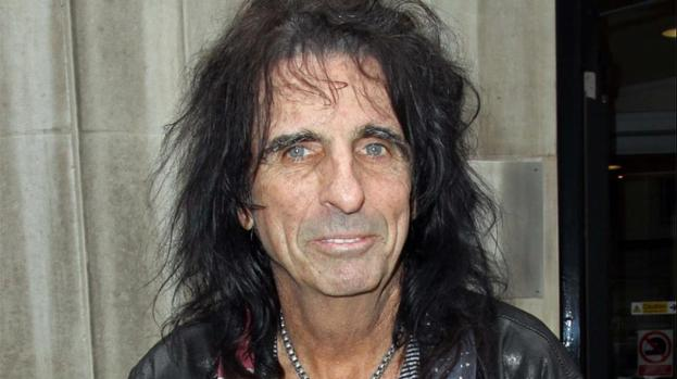 Alice Cooper thinks modern rock stars need a 'gigantic shot of testosterone'