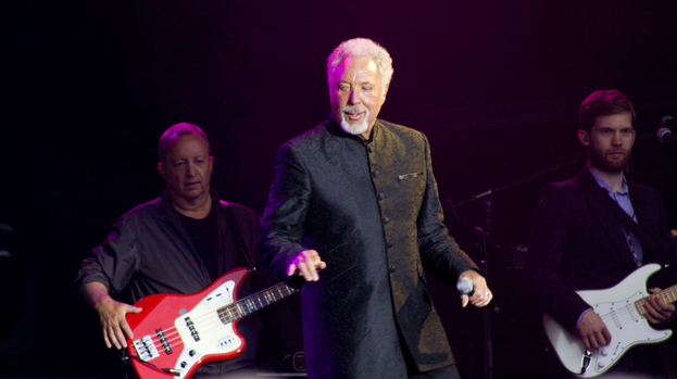 It's not unusual: To see Sir Tom Jones having a dance.