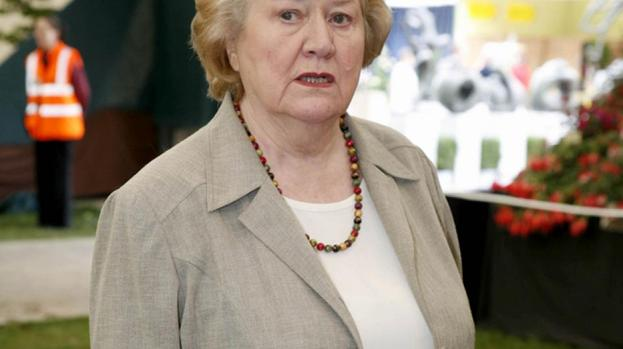 Patricia Routledge 'saddened' by Geoffrey Hughes' death