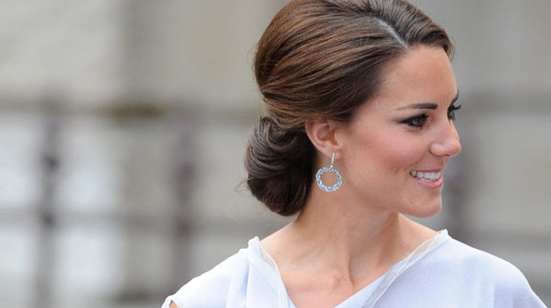 Kate Middleton glitters in grey