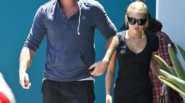 Liam Hemsworth 'growing impatient with Miley Cyrus'