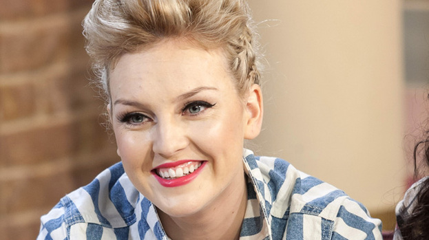 ShamPOOOOOOO!: Perrie likes to leave her locks for as long as poss