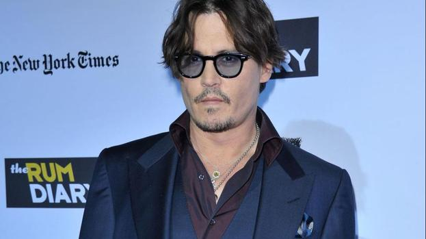 Johnny Depp working on relationship with Vanessa Paradis