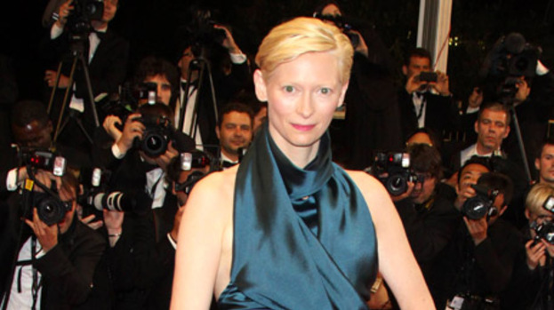 Tilda Swinton says birth is 'violent'