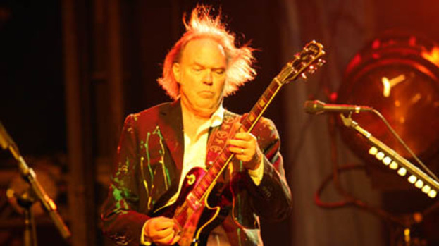 Neil Young to work with Crazy Horse