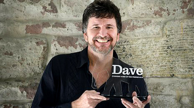 Stewart Francis with Dave's award for funniest joke of the Edinburgh Fringe