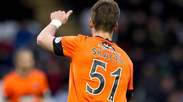[Image: 166404-rudi-skacel-makes-his-debut-for-dundee-utd.jpg]