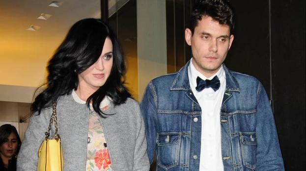 Katy Perry moving in with John Mayer