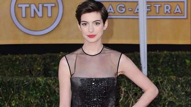 Anne Hathaway rivalry with Katie Holmes