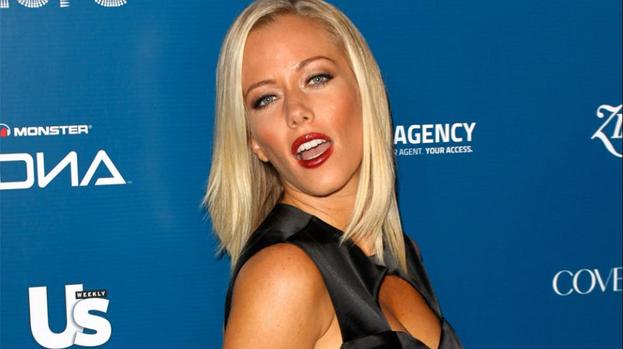 Kendra Wilkinson 'devastated' by death
