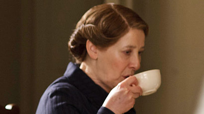 The Downton Delusion We Love Dramas About Upstairs | Auto ...