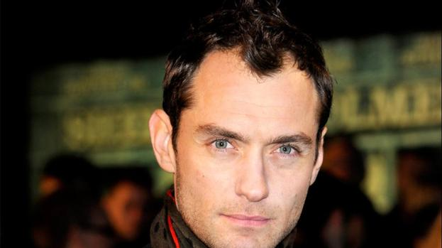 Jude Law felt free being naked on Dom Hemingway set