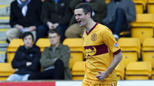 Jamie Murphy got back to scoring ways with a goal inside 60 seconds against St Johnstone.
