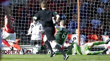 Niall McGinn pounced to put Aberdeen 1-0 up on Hibernian