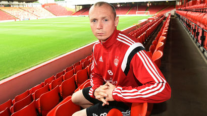 Willo Flood signs new contract to keep him at Aberdeen until 2017