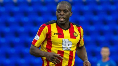 Midfielder Isaac Osbourne completes move to St Mirren on one-year deal