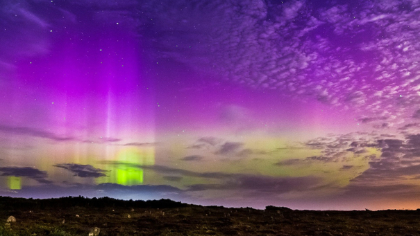 http://files.stv.tv/imagebase/308/605x341/308386-the-northern-lights-aurora-borealis-above-caithness-on-the-night-of-friday-september-12-2014.jpg