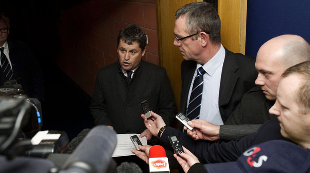Rangers administrator David Whitehouse (centre)