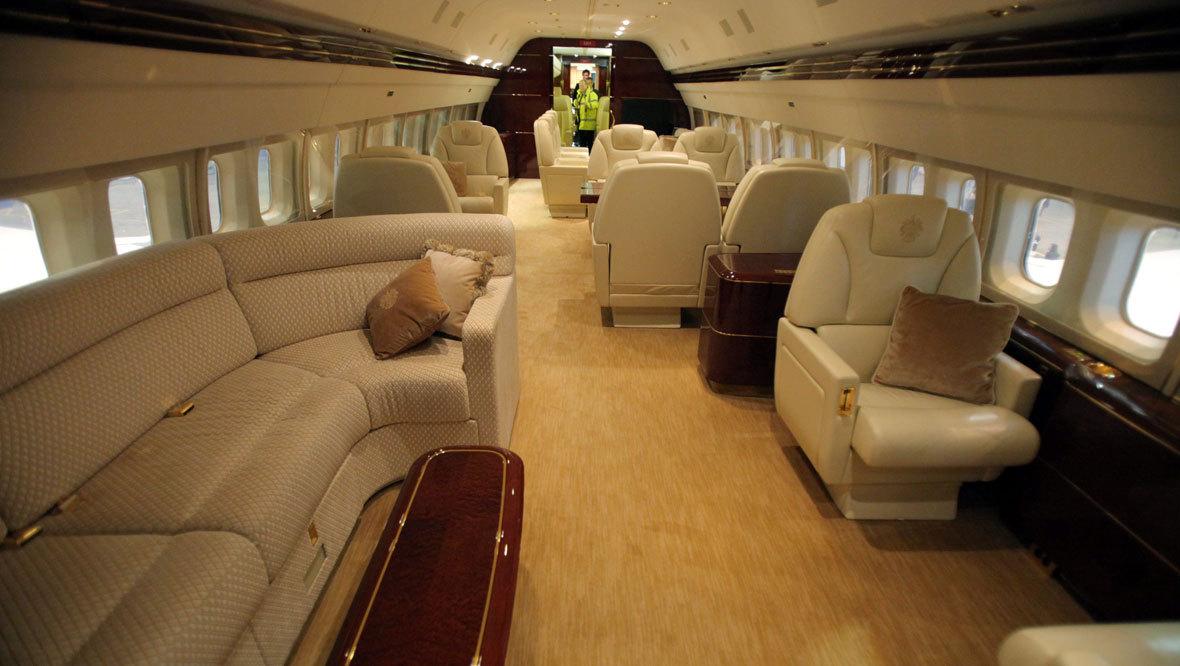Pin Inside Donald Trumps Private Jet Bedroom 6 Cnnmoneycom On Pinterest