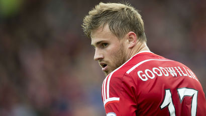 David Goodwillie signs new Aberdeen deal to stay at Pittodrie until 2016