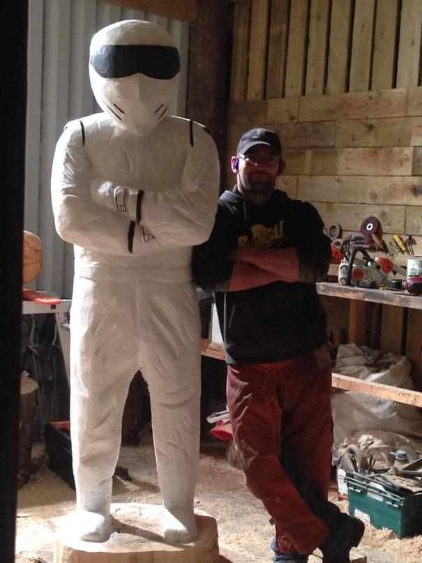 Scottish chainsaw woodcarver captures top gear presenter