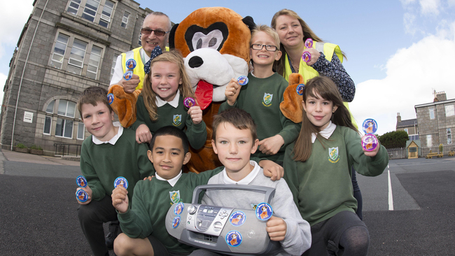 Rapping pooch Scoop teaches kids to clean up the streets