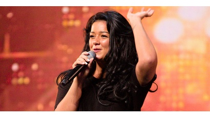 Lauren Murray auditions for X Factor show one