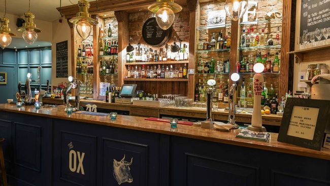 London Street pub The Ox re-opens after fire