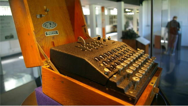 Nazi Enigma coding machine from Second World War comes to Dundee