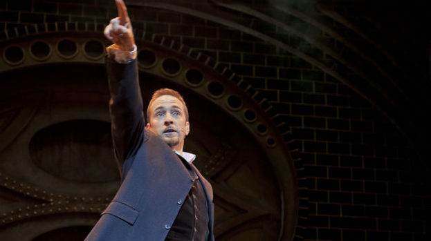 "Pure mental: Derren Brown offers up plenty of mystifying  ""How did he do that?"" moments in Svengali"