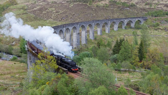 Tourists visiting bridge in Harry Potter films warned over trespassing