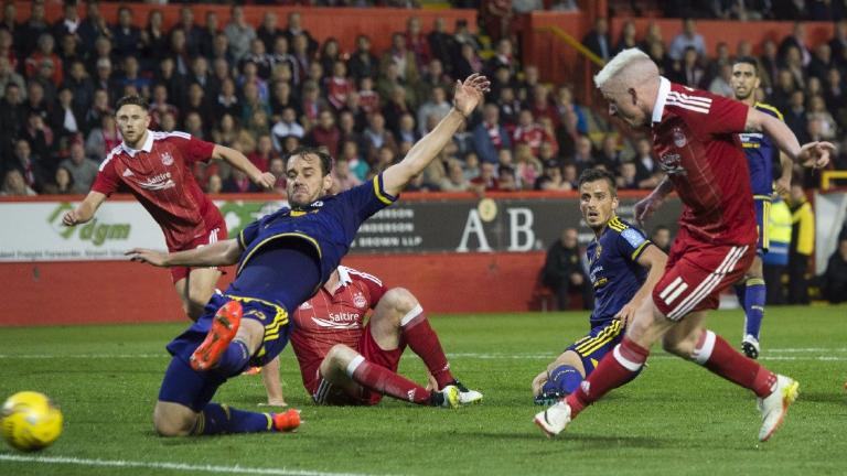 Aberdeen 1-1 Maribor: Late Jonny Hayes goal sees Dons rescue draw