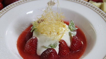 Strawberry shortcake with white chocolate custard