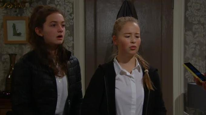 Emmerdale - Emmerdale (Thurs Dec 8, 7pm): Chas catches Liv and Gabby with alcohol