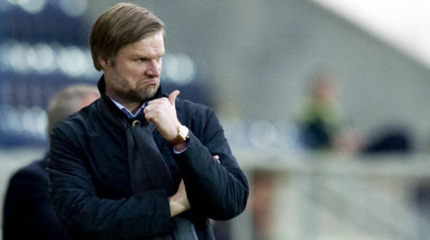 Steven Pressley will face old boss Jim Jefferies on Tuesday night.