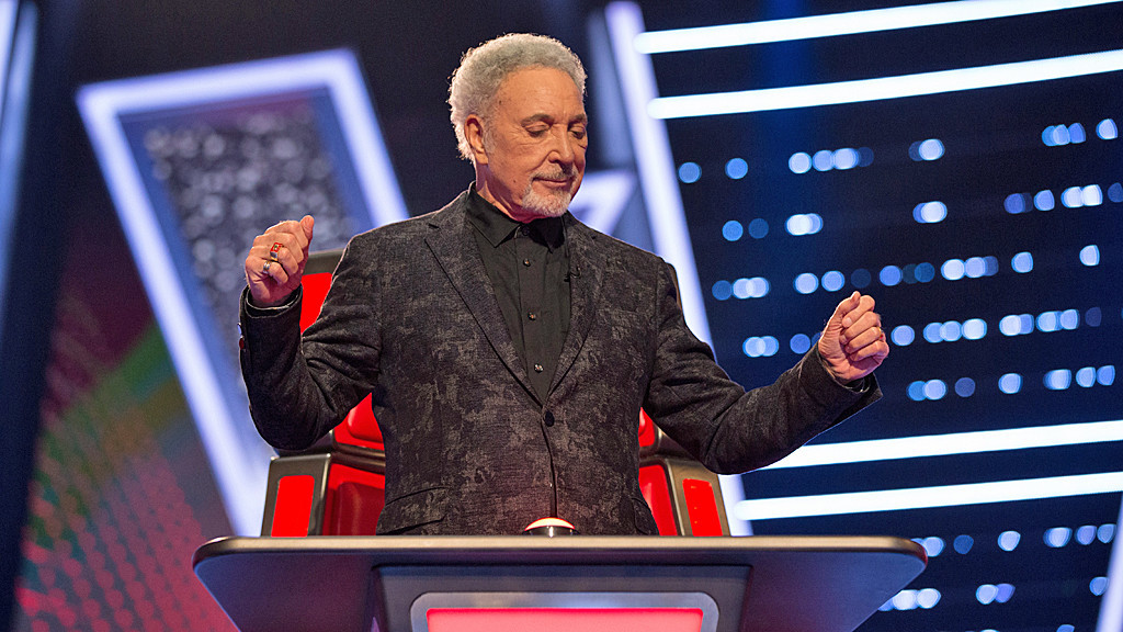 Tom Jones performs Whole Lotta Shaking Going On