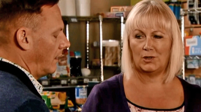 Coronation Street - Corrie (Wed, Aug 15th, 7:30pm) Preview: Spinning plates